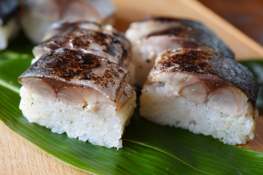 炙り鯖寿司 断面図